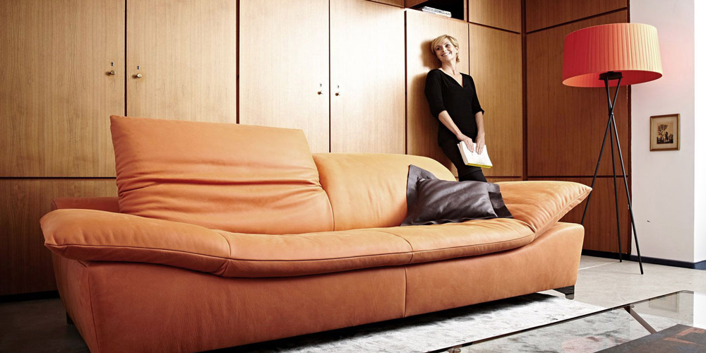 Sofa 3 seater of leather honey colour