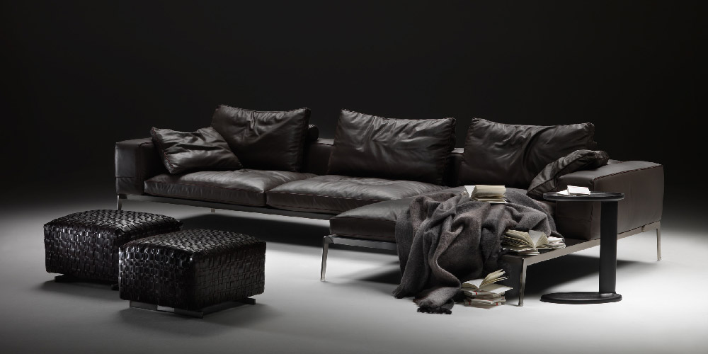 Houston Sectional Sofa In Black Leather With Chaiselong