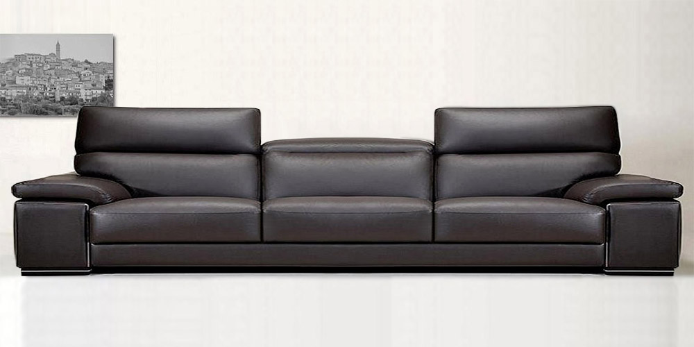 Italian leather sofa knight by calia maddalena for Black leather sectional sofa uk